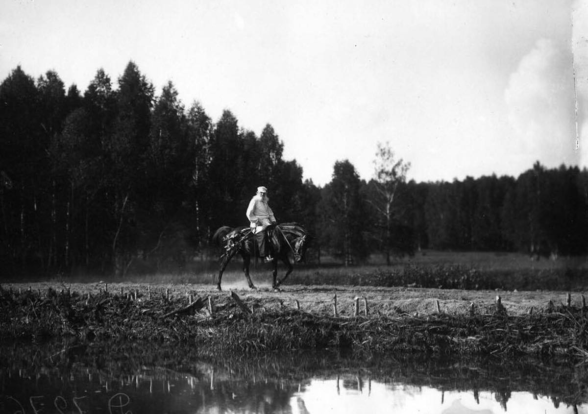 Leo Tolstoy riding at his Yasnaya Polyana estate in 1908. Image: project1917 / Facebook