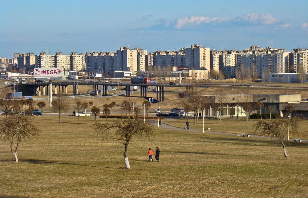 View onto the Šilainiai housing estate (image: Kestutis Malzinskas under a CC licence)