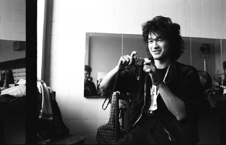 Viktor Tsoi photographed by Igor Moukhan in 1987. Image: histolines / Facebook