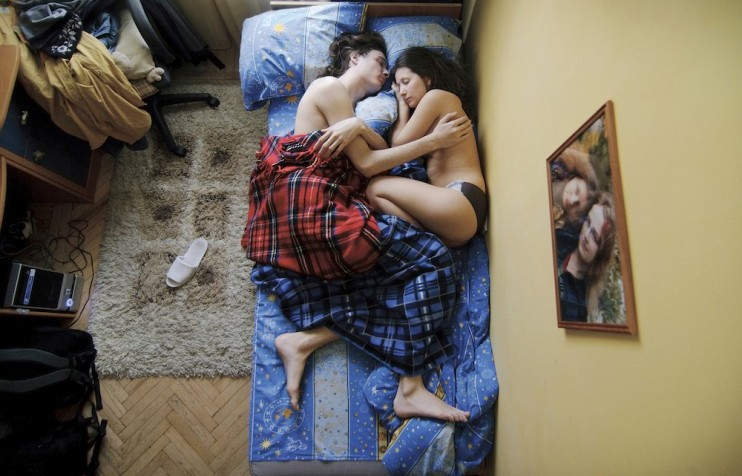 Rooms with a view: six photo projects cheerfully peeking into the private lives of Russians today