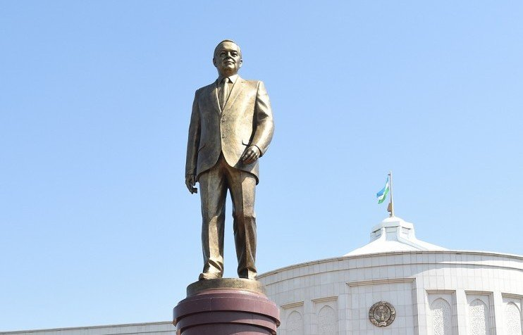 Karimov comes to Moscow: the late Uzbek leader, a British sculptor and the fight for public space