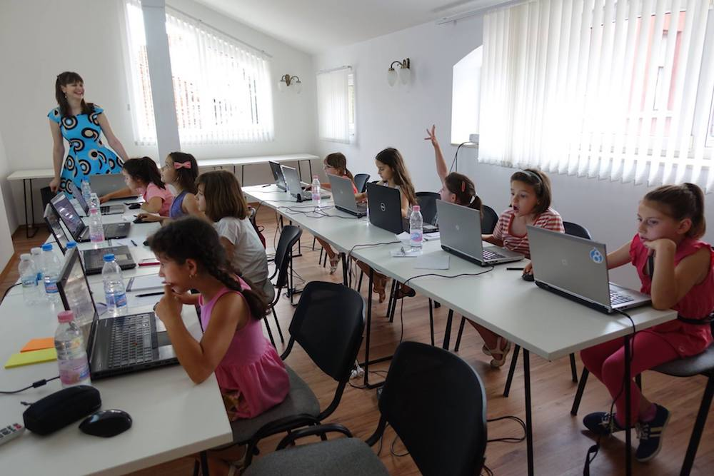A Coding girls class in the Bulgarian city of Plovdiv. Image: codinggirlscom / Facebook