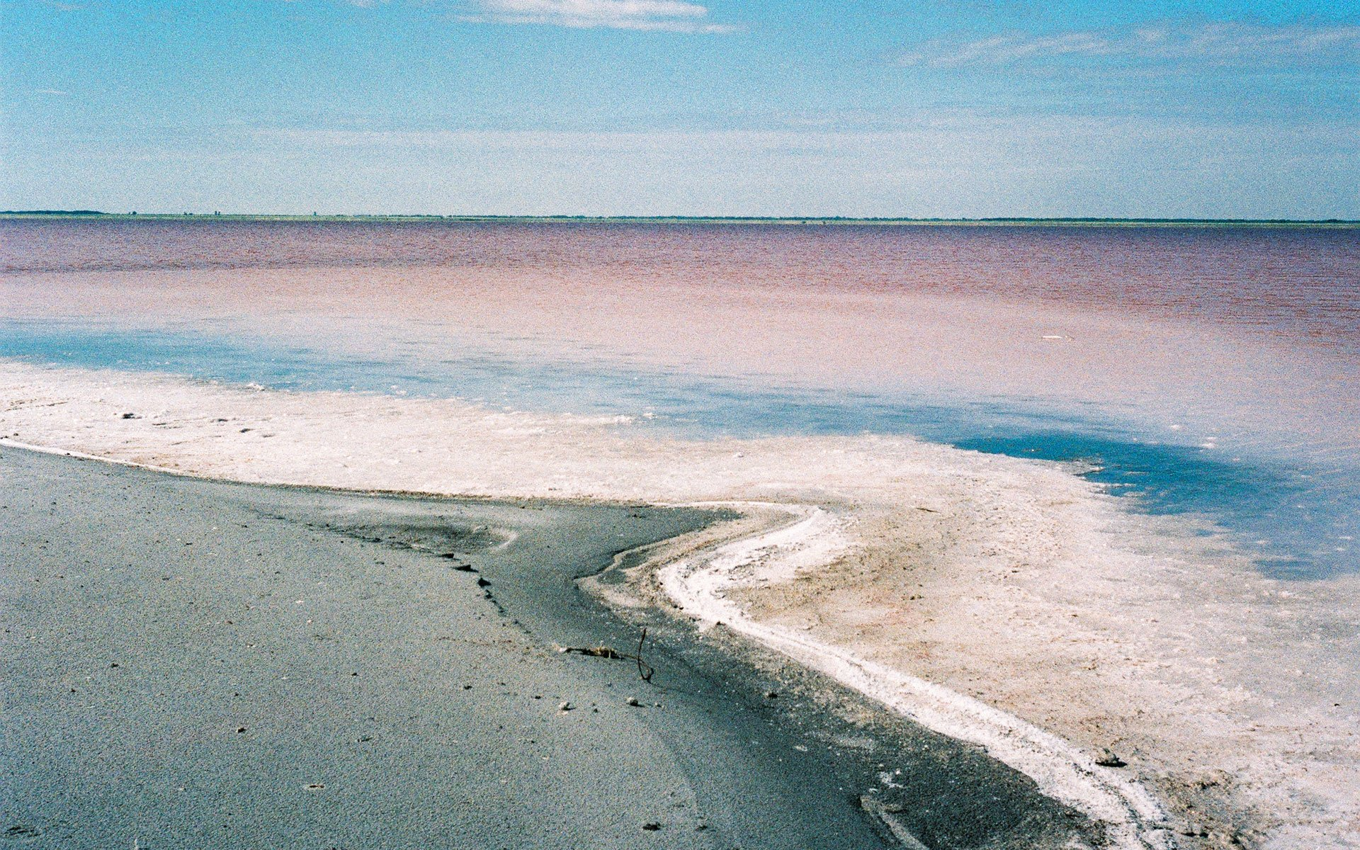 Exquisite photos of Siberia's candy pink lake