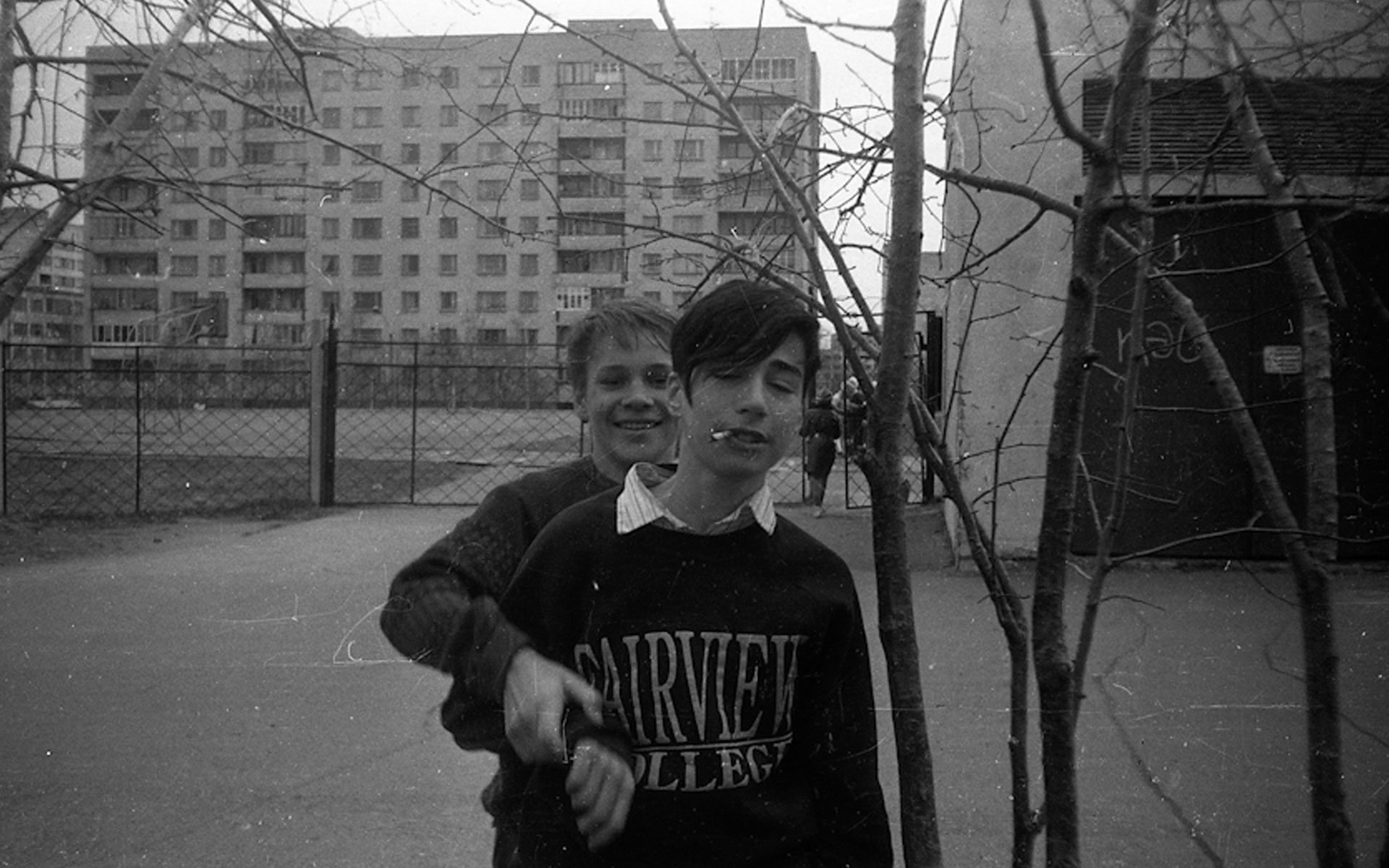 Rare 90s photos capture the lives of the young and restless in an Estonian border-town