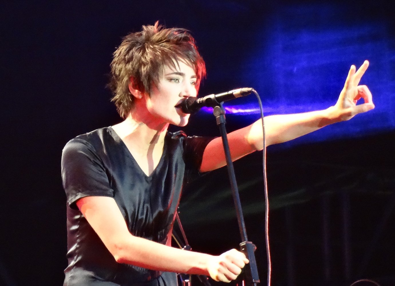 5 videos from Russian rock icon Zemfira you need to watch
