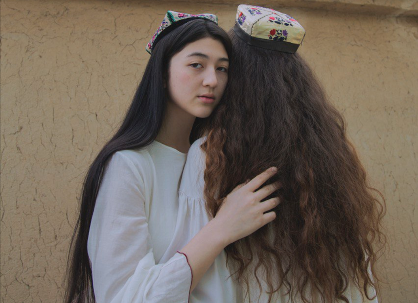 Daring photos show womanhood and forbidden love in contemporary Uzbekistan