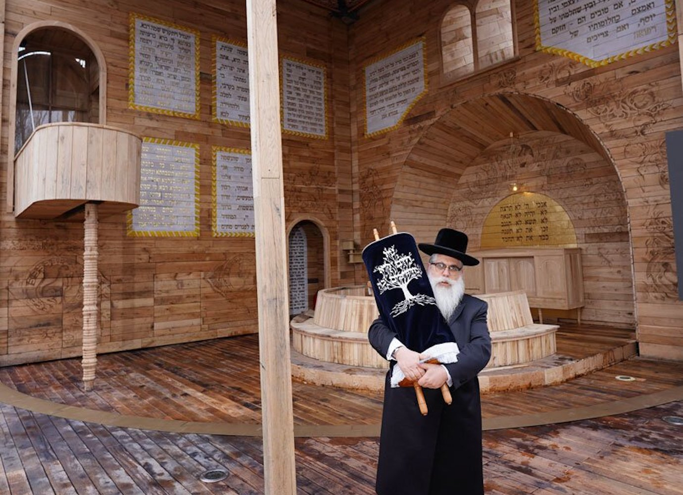 An innovative pop-up synagogue in Ukraine pays tribute to Jewish communities