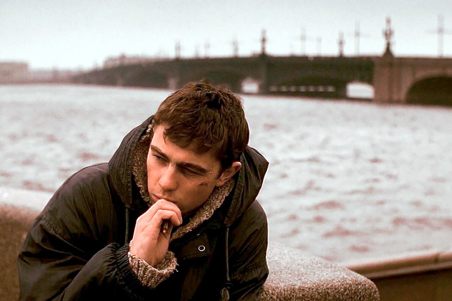 Balabanov's ganster film 'Brat' shook, explained and defined 90s Russia | Film of the Week