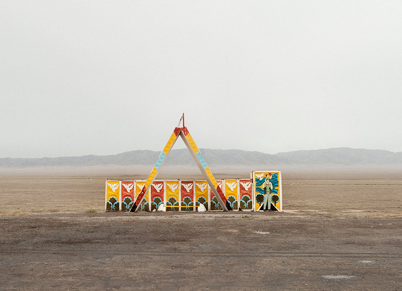 Lose yourself in the fascinating world of Soviet bus stops with @herwigphoto