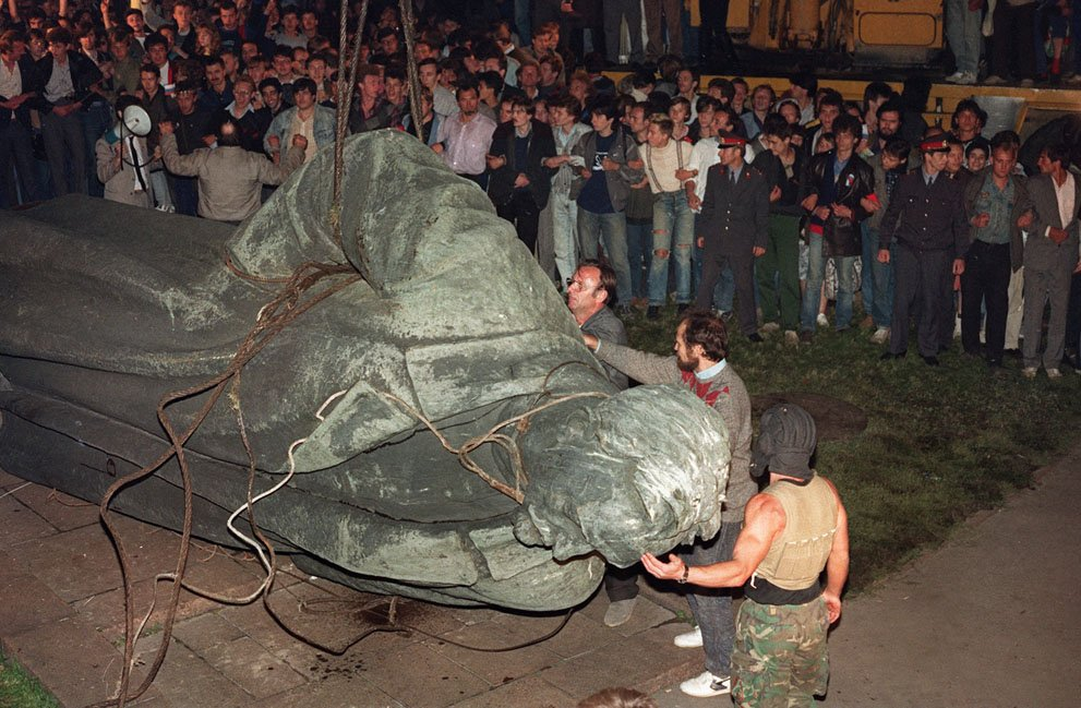 Felix Dzerzhinsky's statue toppled by protesters in 1991. Photograph: Anatoly Sapronenkov/AFP/Getty Images