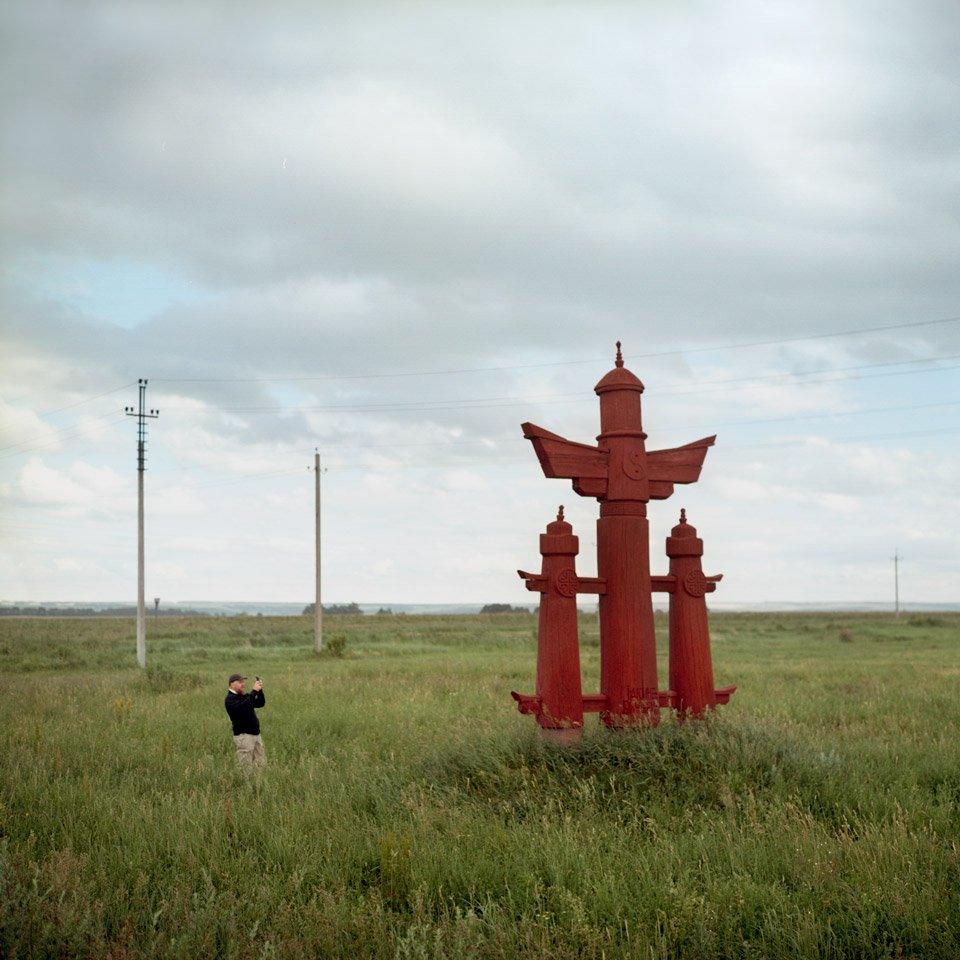 A sculptural composition titled N. Y. Bichurin, set up at the entrance to the village of Tipnera, Cheboksarsky district, Chuvashia (Photo: Ivan Mikhailov)