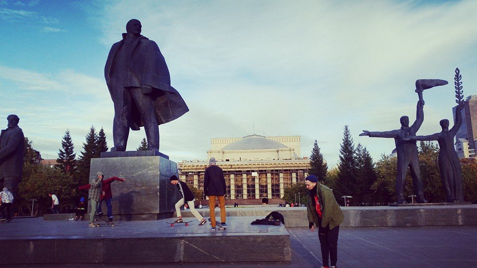 Lenin Square with Novosibirsk Opera and Ballet Theatre (Photo: Arthur House)