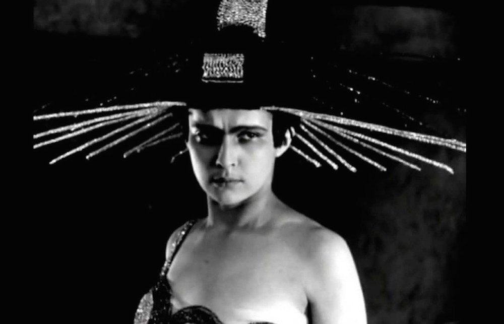 Yuliya Solntseva as <em>Aelita</em>, Queen of Mars in Yakov Protazanov's 1924 film of the same name