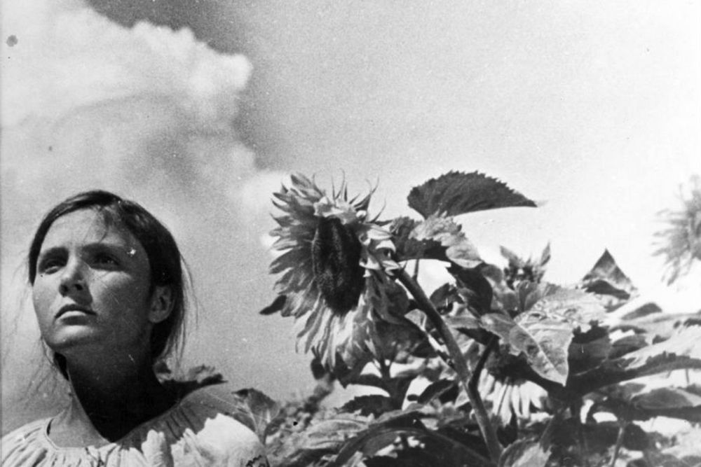 Yuliya Solntseva in <em>Earth</em> (1930), directed by her husband Alexander Dovzhenko