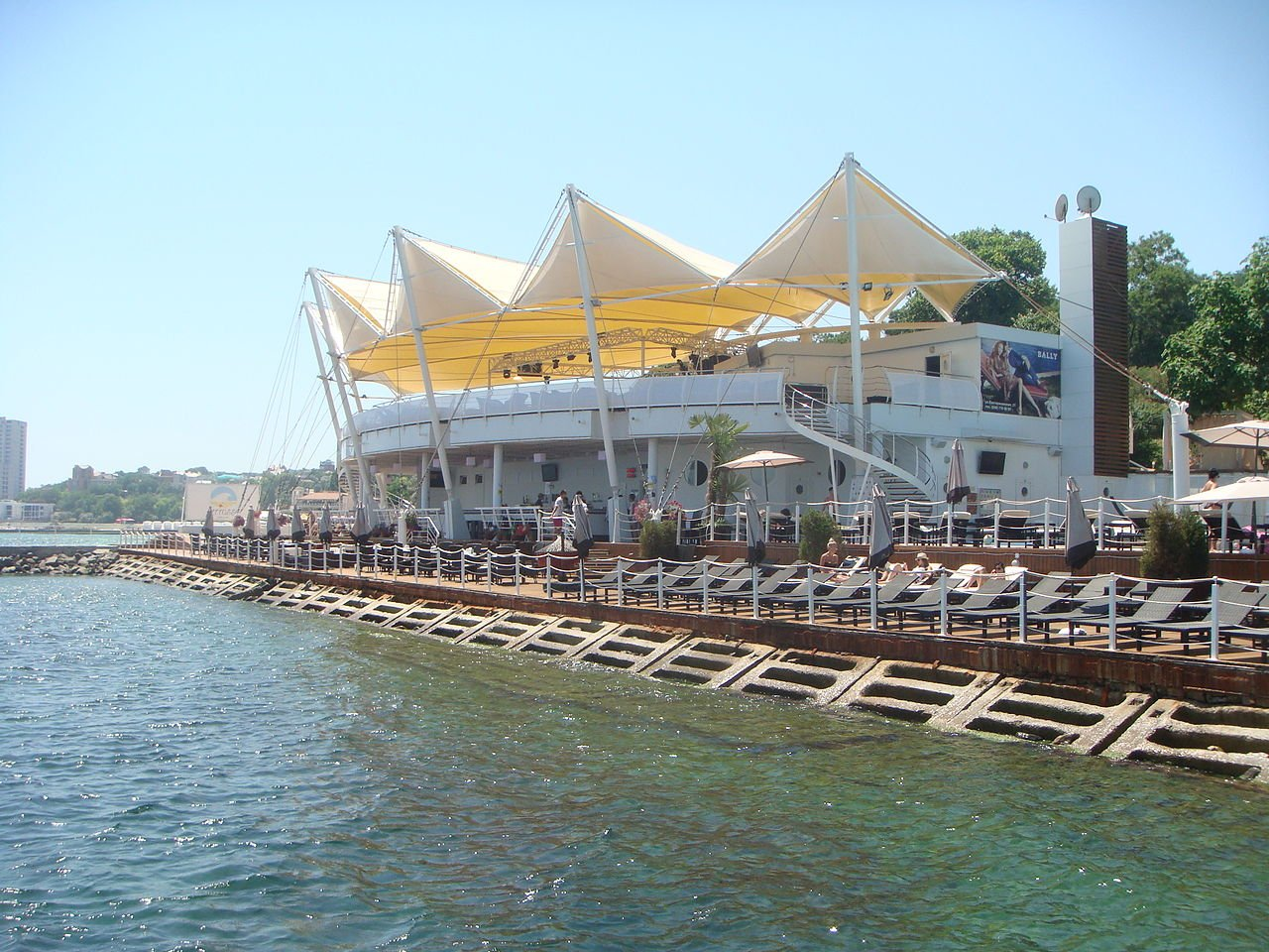 Plaza Beach Club, Odessa. Image: HOBOPOCC under a CC licence
