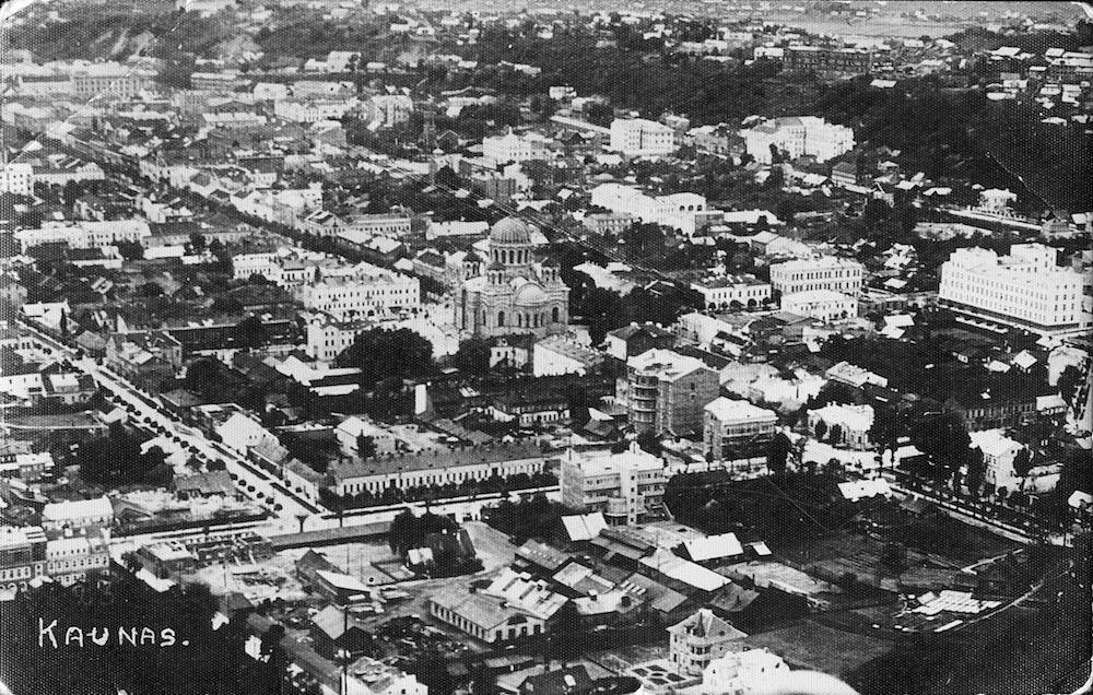 Historical photograph of central Kaunas, dominated by the domes of St Michael the Archangel Church (image: elem under a CC licence)