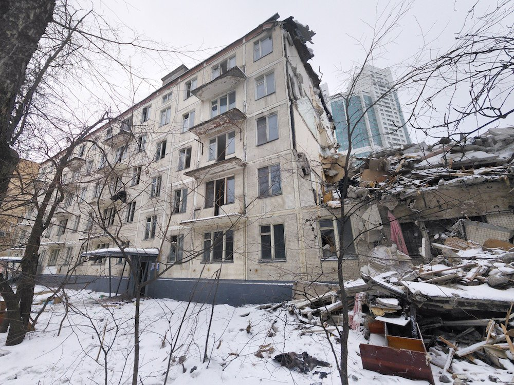 A <em>khrushchevka</em> apartment block on Rublyovskoe Highway in Moscow in the process of demolition (image: Artem Svetlov under a CC licence)