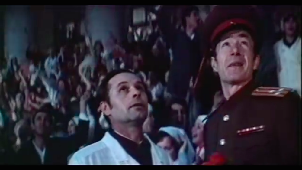 Aleksandr Shmelev (left) in his cameo as a plastic surgeon in <em>Skvorets and Lira</em> (image: Youtube)