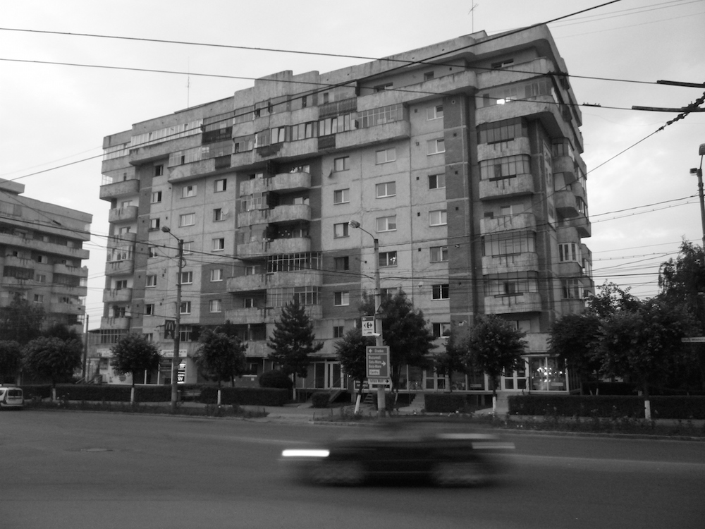 Apartment block in the Mărăstur residential district. Image: marginilo under a CC licence