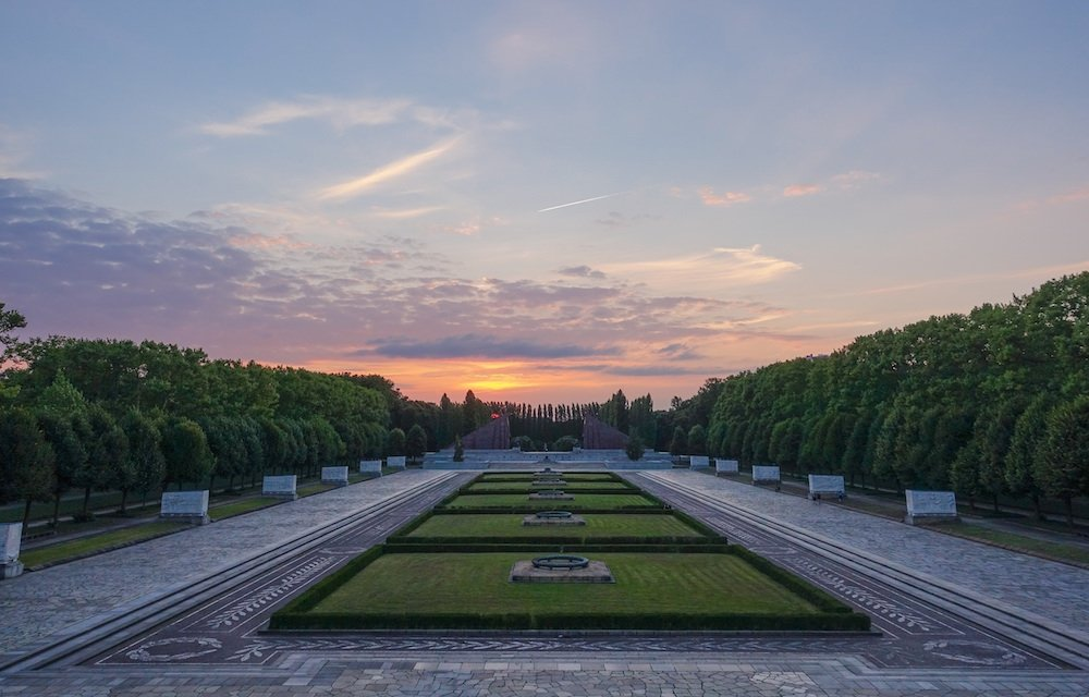 Dusk at Treptower War Memorial. Image: MichaelBrooks under a CC licence