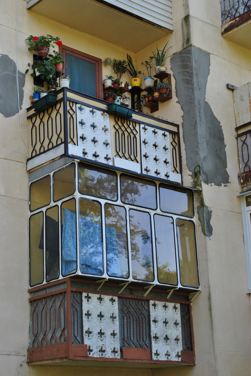 A balcony in the Tbilisi quarter. Image: Aleksandra Burshteyn