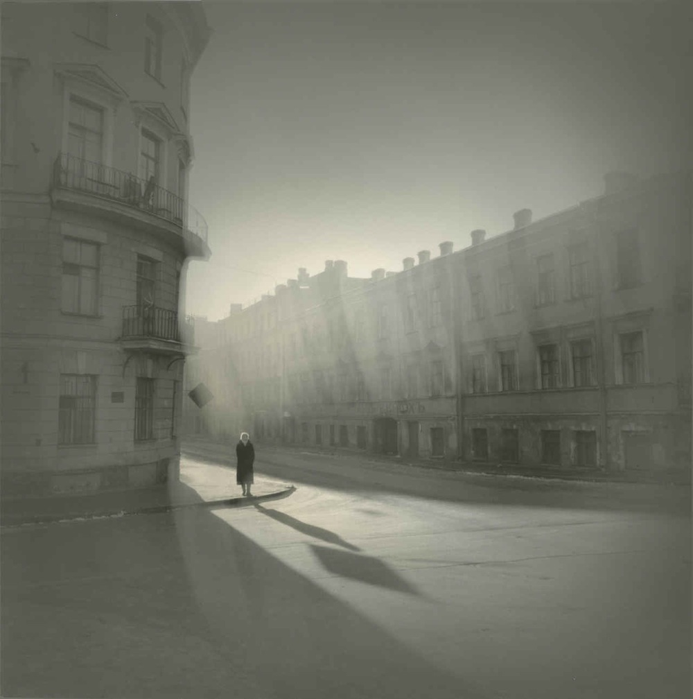 Alexey Titarenko, Untitled (woman on the corner), St Petersburg, Russia. Courtesy of Nailya Gallery