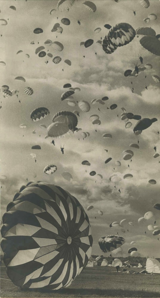 Emmanuil Evzerikhin, Paratroopers, Preparation for an air force Parade in Tushino. Courtesy of Nailya Gallery