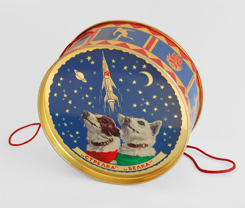 These tins were given to young guests of the New Year's Eve party at the Kremlin (1960)