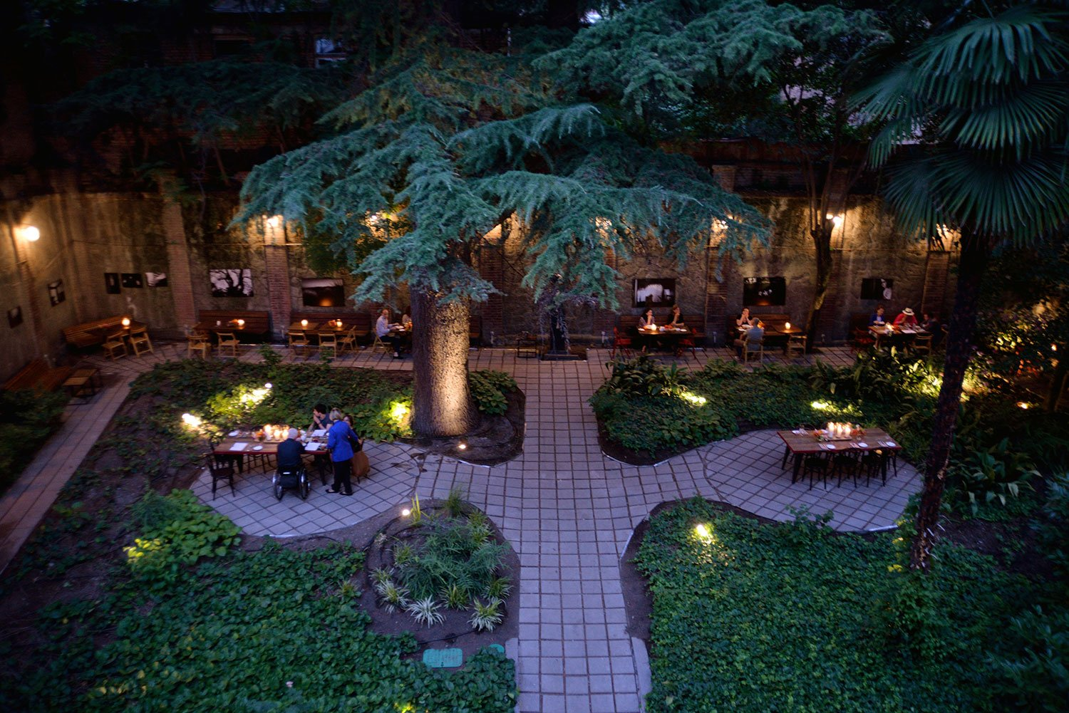 The courtyard at Cafe Littera