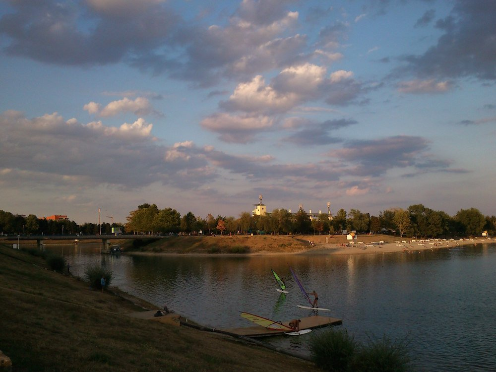Lake Jarun is popular with local windsurfers. Image: Dubravko Sorić under a CC licence