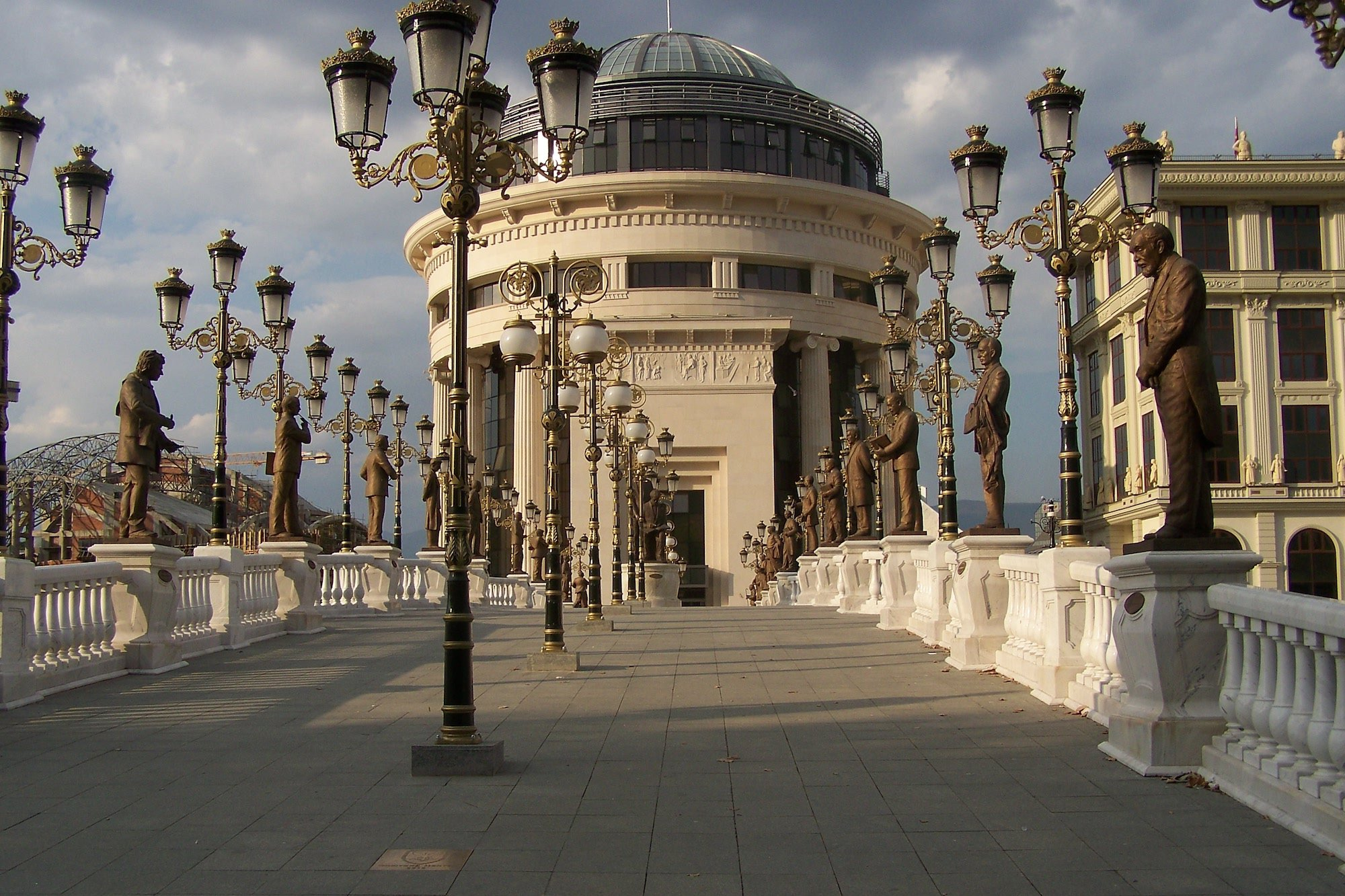 The Bridge of Arts leading to the Ministry of Foreign Affairs. Image: Zorica under a CC licence