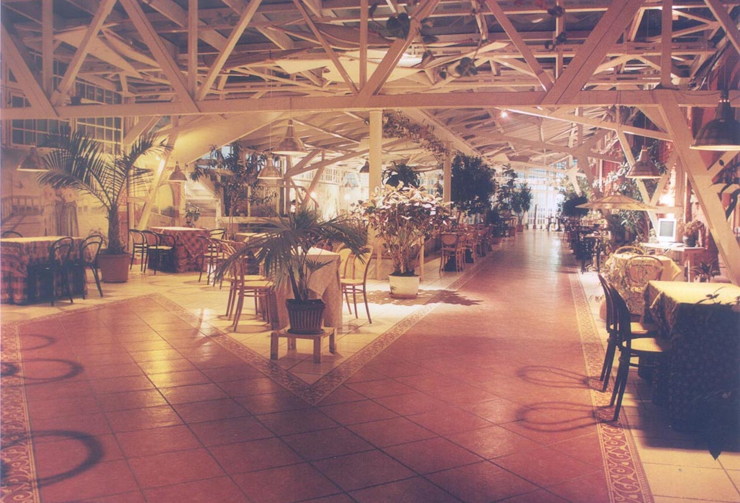 A view of the greenhouse around 1998
