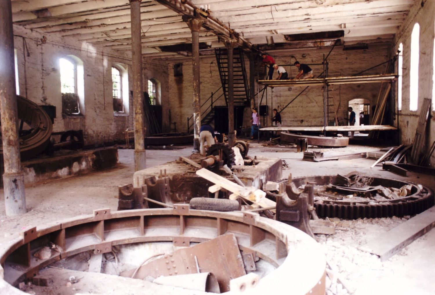 Removing the industrial machinery from the Sugar Factory in 1995, as construction of the theatre began