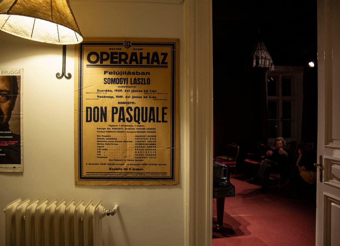 Inside the eccentric world of Budapest's living room theatre troupes you can order to your home