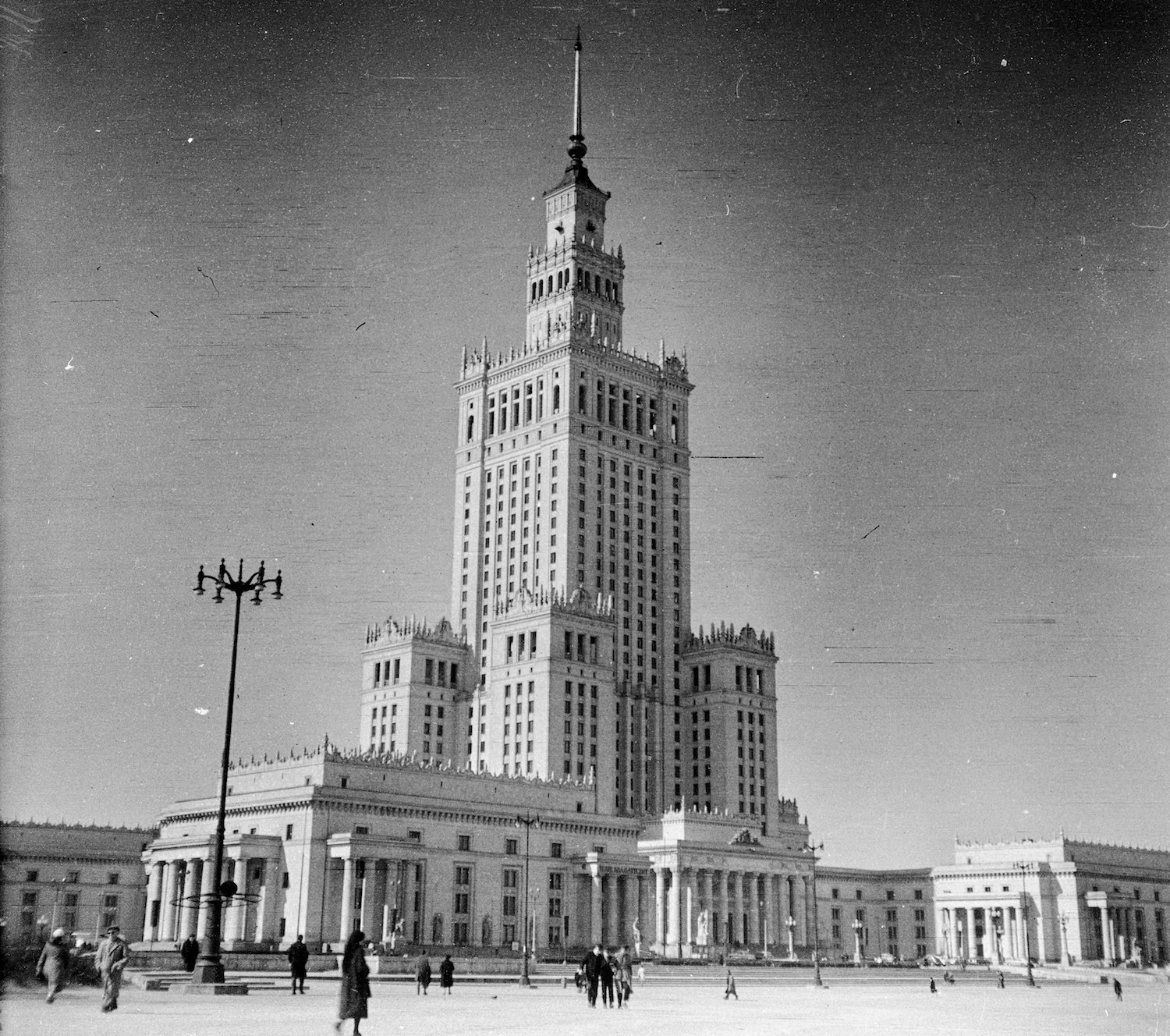 The completed Palace in 1960. Image: FORTEPAN/Romák_Éva under a CC licence