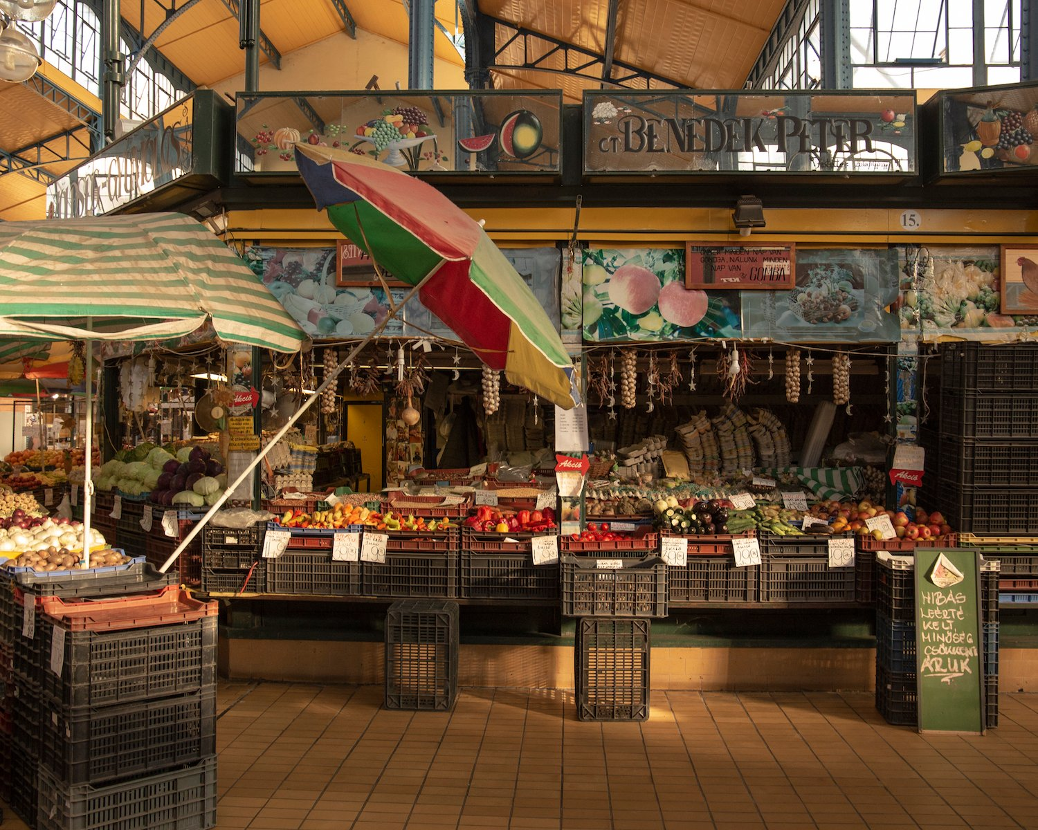 Inside the market. Image: Vizi András