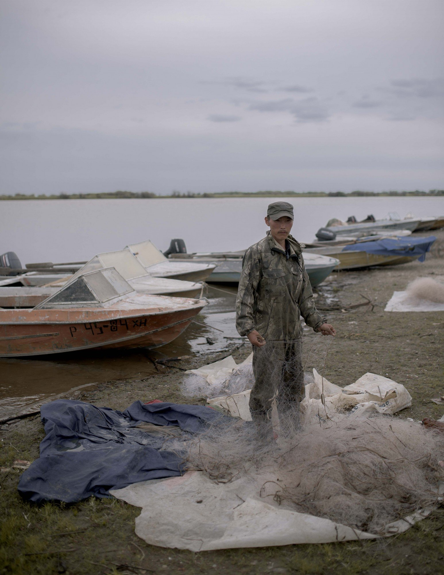 Locals are worried that fish have become scarce over the last few years. Many are outraged that this is happening as a result of exploitative fishing methods used by larger enterprises on the Amur River