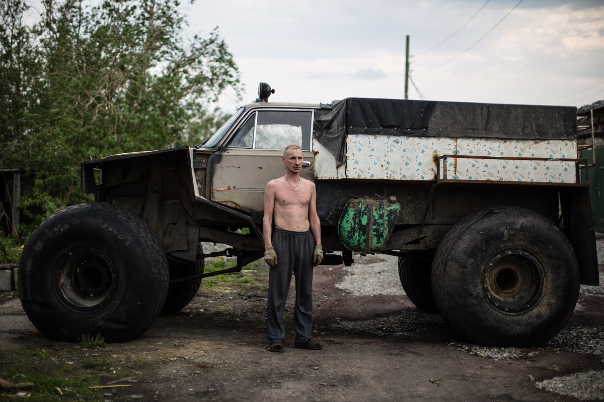 For many inhabitants of Vorkuta, hunting and fishing are important source of food. A lot of fishermen and hunters make homemade cars, locally known as Karakaty for trips through the tundra to Kara Sea, which flows into the Arctic Ocean