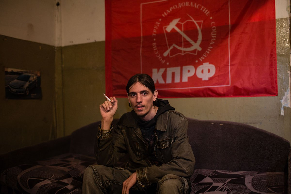 Alexander, 30 years old. He works as an electrical fitter. Alexander likes rock music and to be alone. He lives in the Sovetskiy neighbourhood, 15 km from Vorkuta city centre