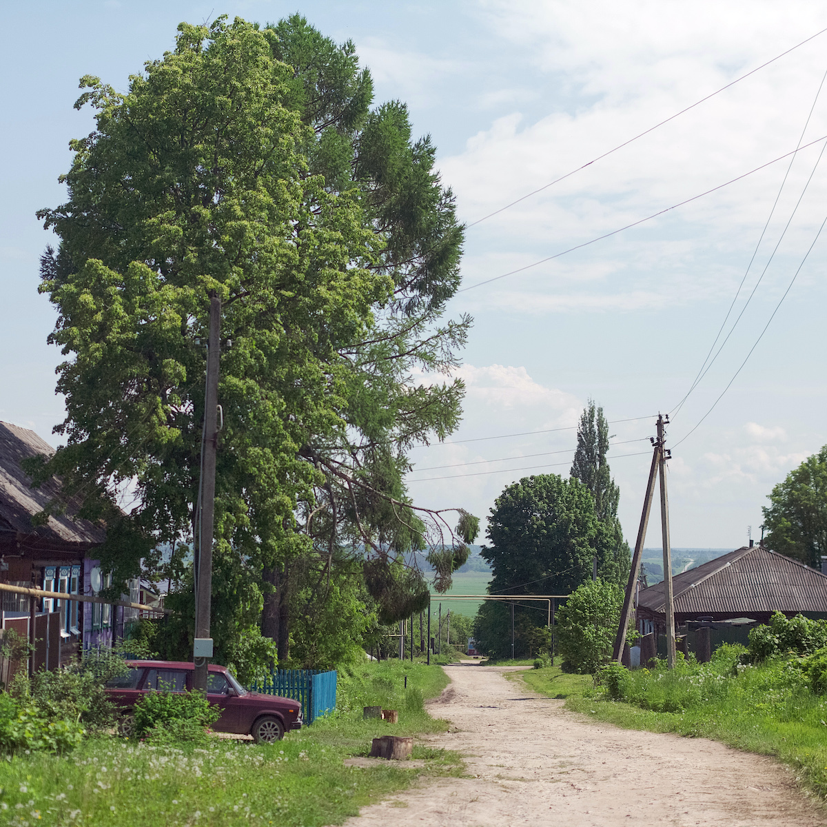 A typical street in Chekalin
