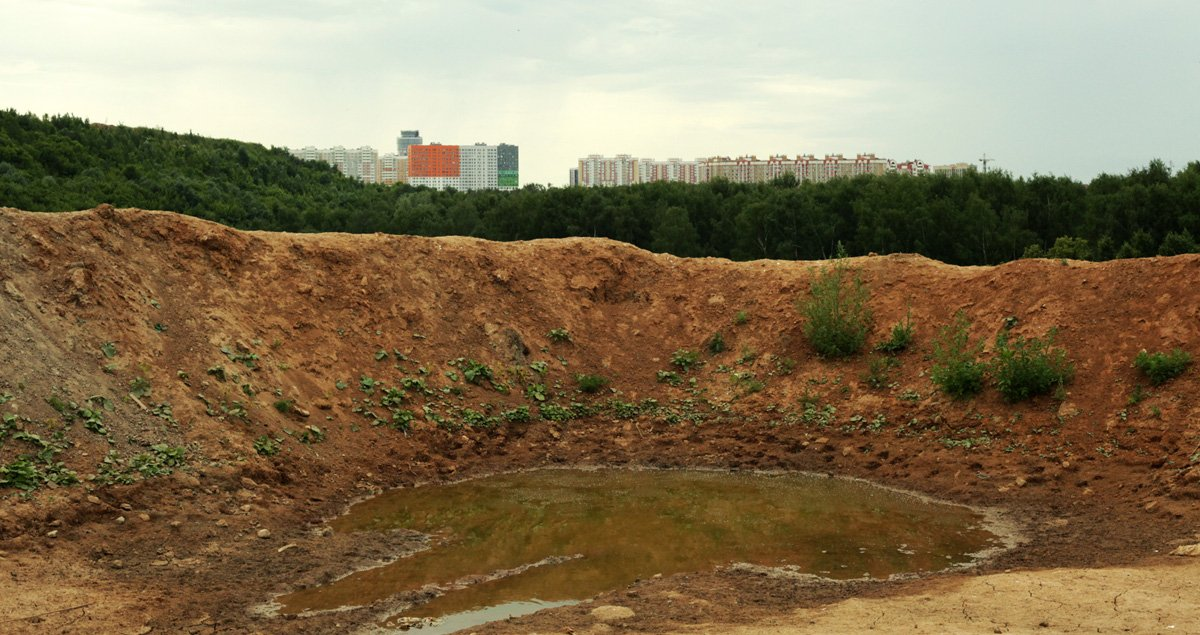 One photographer's quest to document Moscow's landfill hills