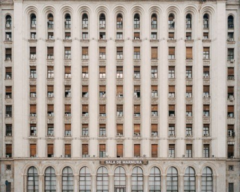 Serene urbanism: these quiet photos of Bucharest will bring you instant calm