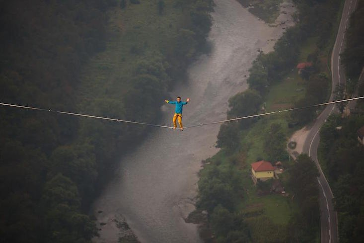 Highline thrill-seeker breaks record in Bosnia