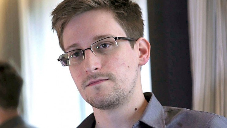 RT to screen premiere of Snowden documentary Terminal F