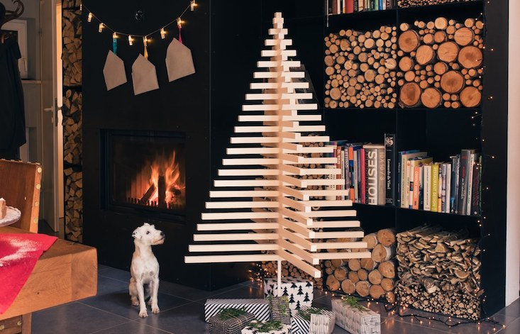 Make your arty friends jealous with this sleek and sustainable minimalist Christmas tree