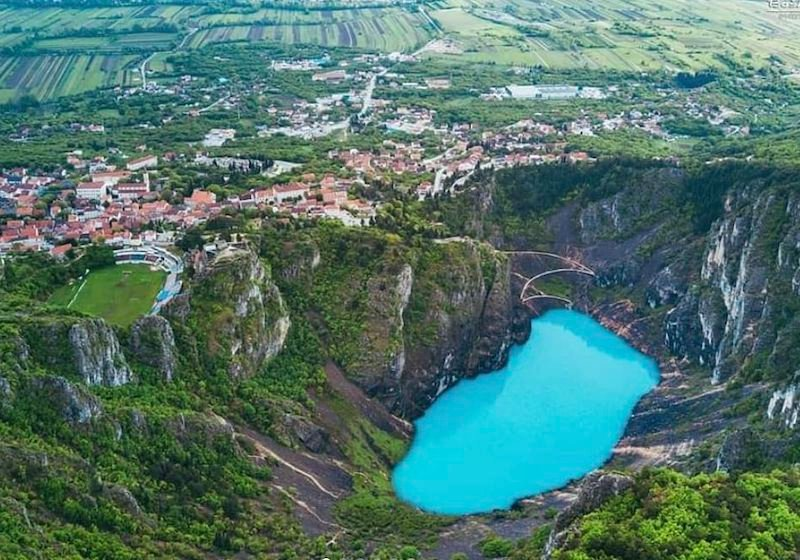Watch as Croatia's Blue Lake undergoes a stunning transformation