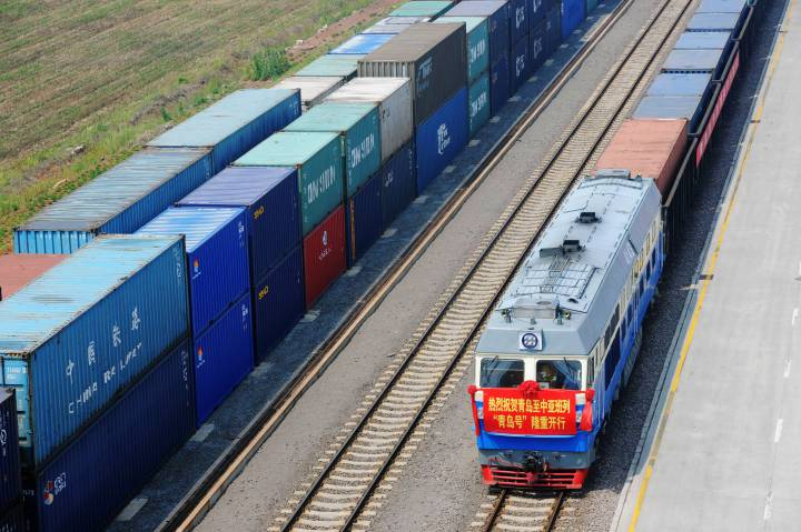 "World's longest train line hailed ""New Silk Route"""