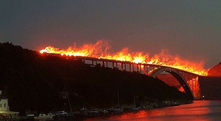 Croatian football fans set bridge aflame in spectacular anniversary celebration
