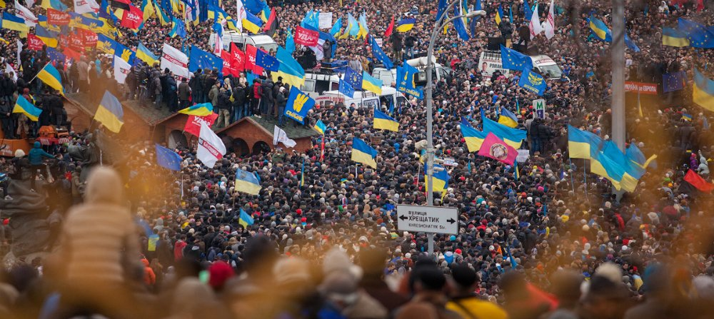 Russian writers pledge support for Ukrainian protesters