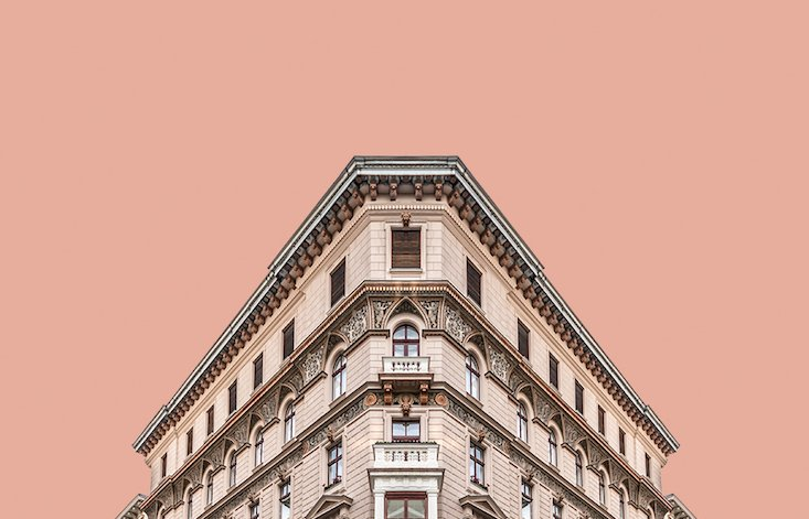 Corner Symmetry: discover Budapest's geometric beauty